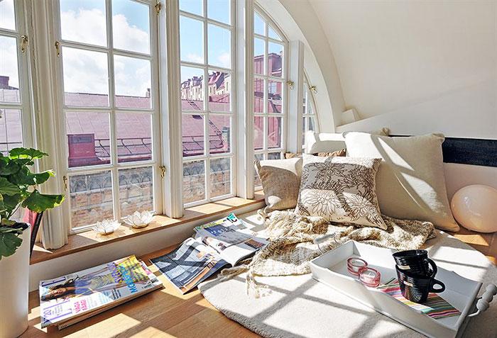 cozy-reading-nooks-book-corner-573091b96592b__700