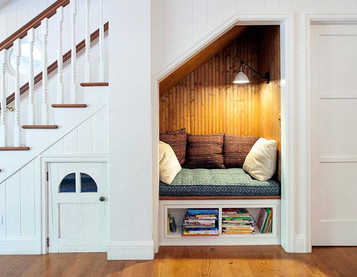 cozy-reading-nooks-book-corner-63-5731db80e5608__700