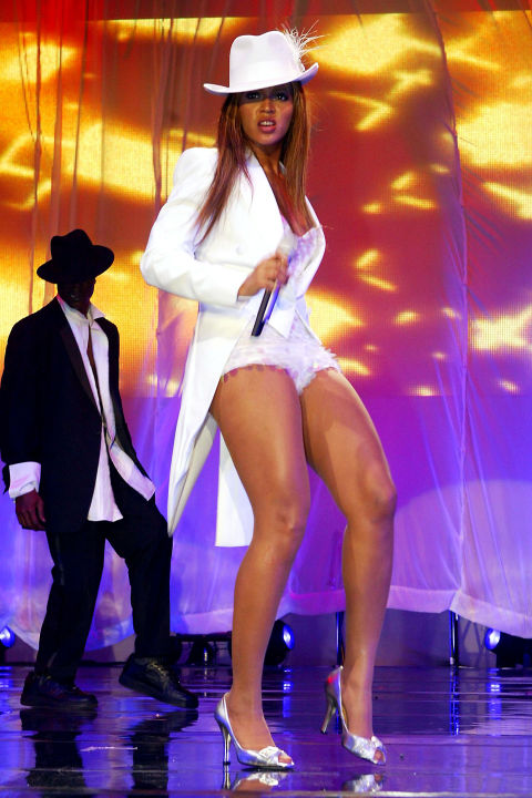 hbz-beyonce-tour-2003-gettyimages-2697465