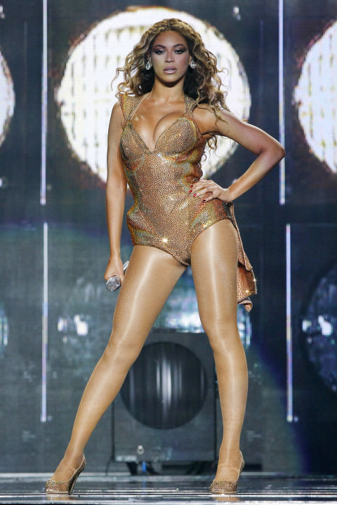 hbz-beyonce-tour-2009-gettyimages-88658476
