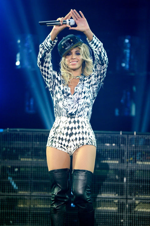 hbz-beyonce-tour-2013-gettyimages-459067637